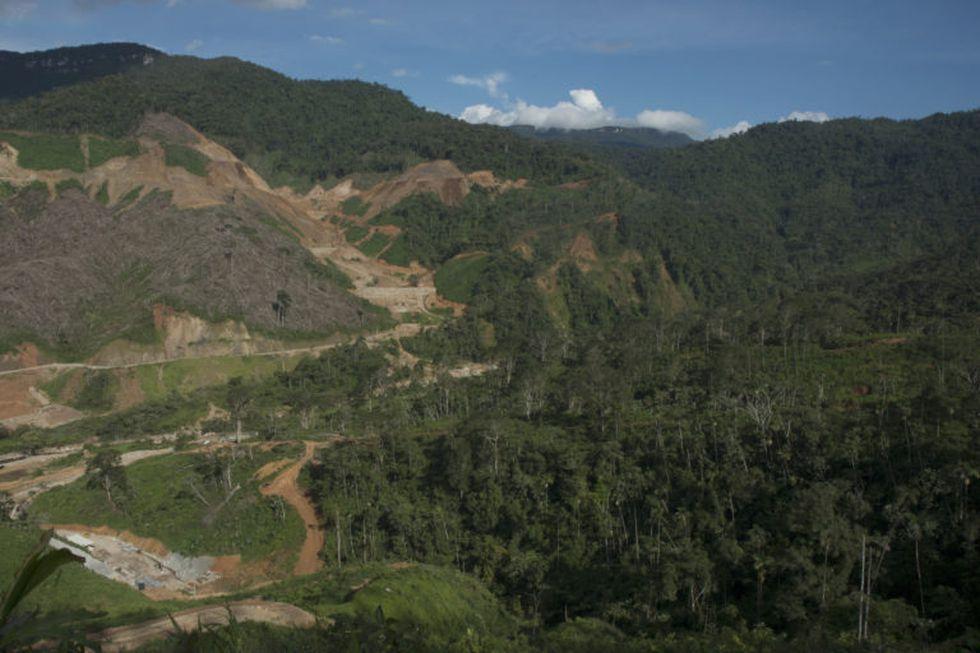 El crecimiento de las vías no autorizadas es grande en Perú. Foto: IBC.