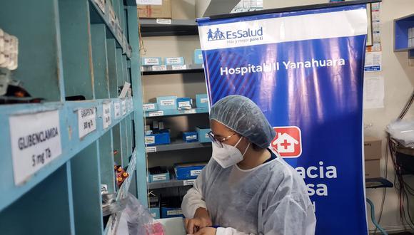 Debido a la alta demanda de medicinas se ha reforzado el control de calidad. (Foto: EsSalud)