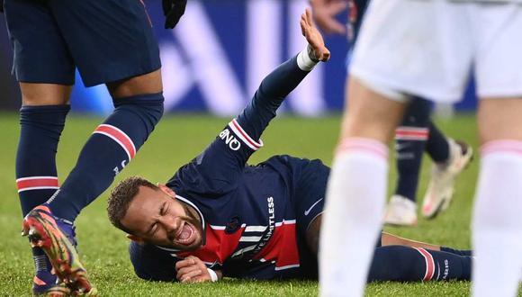 Neymar sufrió una lesión en el PSG vs. Lyon de la Ligue 1 (Foto: AFP)