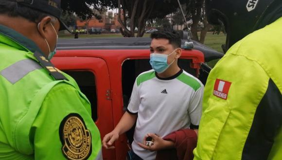 André Isaac Corredor Hidalgo pretendió escapar del operativo, pese a que en el interior del mototaxi se encontraba la pasajera Frida Vega de Luna (54), quien resultó herida. (Foto: Municipalidad de Surco)