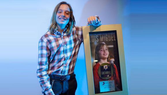 Izan Llunas, hijo de Marcos Llunas, interpretó Luis Miguel en su niñez en la serie de Netflix y acaba de recibir un disco de oro por cantar sus canciones. (Foto: @izanllunas)