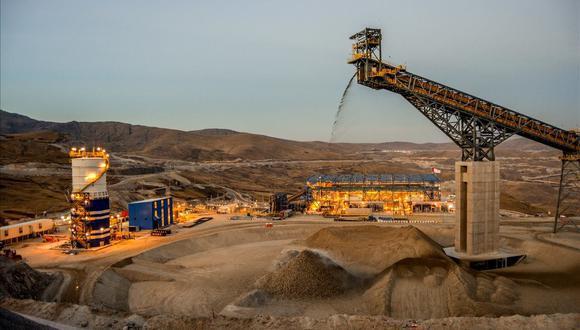 """""""La preocupación que esta amenaza despierta ya se está viendo reflejada en los precios de las acciones de las principales mineras del país en la bolsa de valores"""", subraya García. (Foto: GEC)"""