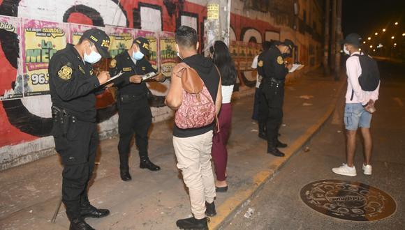 La Policía Nacional y las Fuerzas Armadas realizaron un operativo de control el domingo y lunes para que se acaten las medidas de la cuarentena. (Foto: Ministerio del Interior)