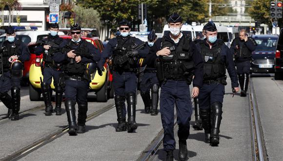 Este nuevo ataque se produce dos semanas después de la decapitación, el 16 de octubre, de un profesor. (Foto: EFE)