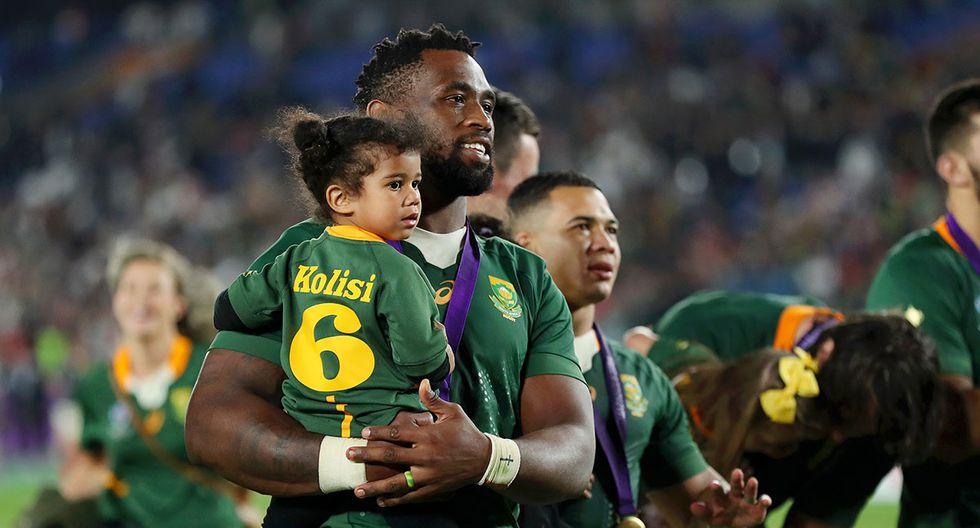 Siya Kolisi es considerado una de las máximas figuras del rugby en la historia de Sudáfrica. | Foto: AFP
