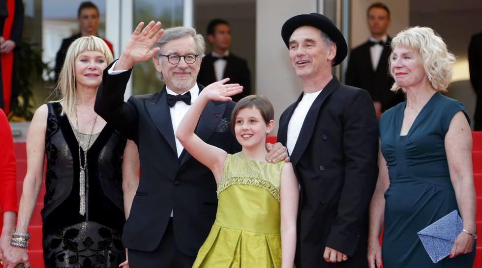 Cannes: la alfombra roja se llenó de fantasía con Spielberg - 7