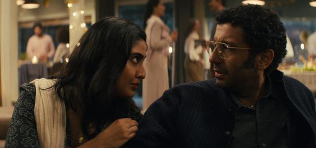El doctor Aditya Singh parece dispuesto a todo con tal de salvar a su esposa (Foto: Netflix)