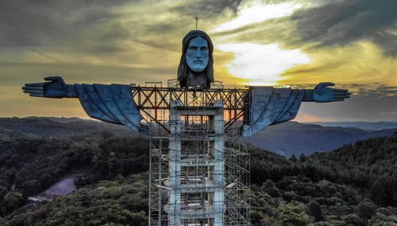 Vista de una estatua de Cristo que se está construyendo en Encantado, estado de Rio Grande do Sul, Brasil. (Foto: SILVIO AVILA / AFP).