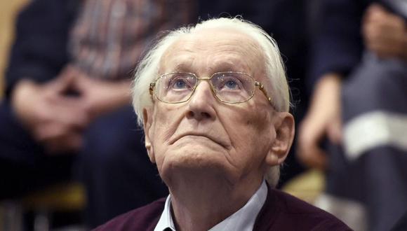 """Oskar Gröning es acusado de """"complicidad"""" en el asesinato de 300.000 judíos. Durante el juicio se disculpó y reconoció su """"falta moral"""". (Foto: EFE)"""
