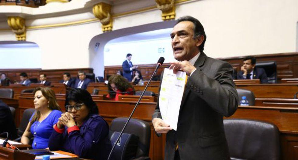 """""""Con esta medida disciplinaria que se abre seguramente se aplicarán sanciones graduales"""", señaló Héctor Becerril sobre el proceso contra Kenji Fujimori y 9 legisladores de Fuerza Popular que se abstuvieron en la votación sobre la vacancia de PPK. (Foto: Congreso)"""