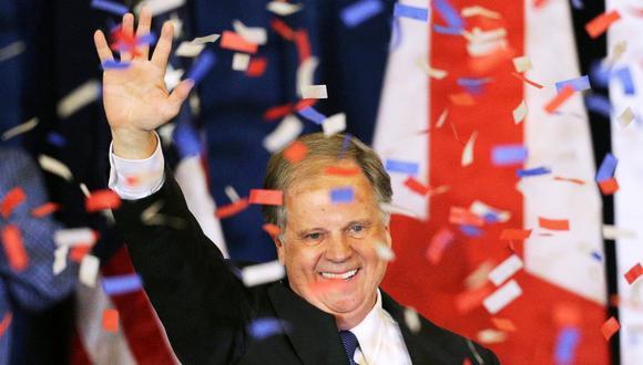 Doug Jones sorprendió a Roy Moore en la contienda al Senado por Alabama. (Foto: Reuters/Marvin Gentry)