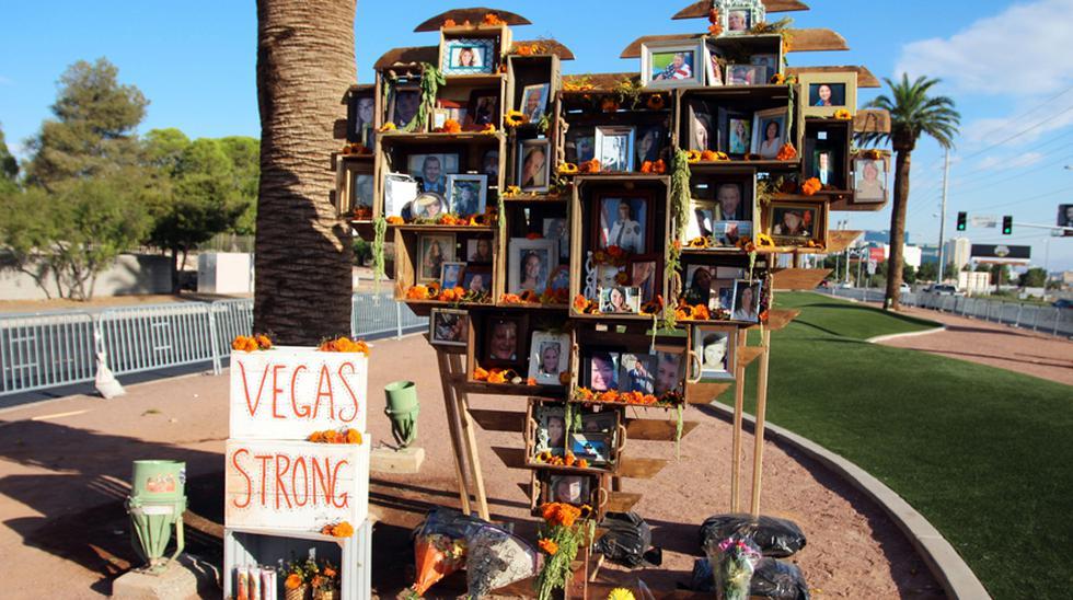 """Autoridades y residentes de Las Vegas (Nevada) apelaron hoy a la unidad para superar la """"inolvidable"""" muerte de 58 personas ocurrida el 1 de octubre de 2017 en un multitudinario concierto al aire libre. (EFE)"""