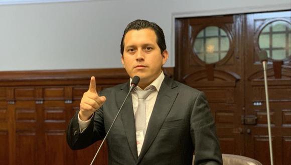 EL congresista es el cuarto integrante de la bancada de Podemos Perú en dar positivo al nuevo coronavirus. (Foto: Facebook José Luna Morales)