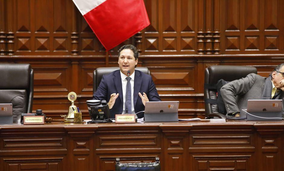 Daniel Salaverry y Pedro Olaechea disputan la presidencia del Congreso. (Foto: Congreso)