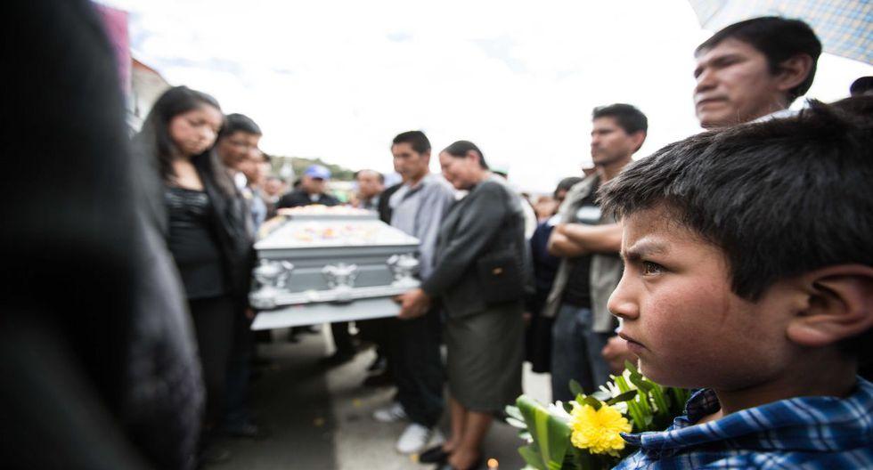 Cajamarca: protestas y dolor en cortejo fúnebre de Fidel Flores - 4