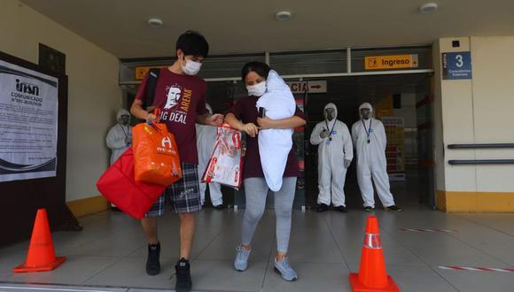 El número de casos positivos con coronavirus llegó a 16.325 al 20 de abril. La tasa de crecimiento de los contagios alcanzó el 7,7% y ha disminuido desde el 13 de abril en línea con la disminución del número de nuevas pruebas procesadas. (Foto: GEC/Gonzalo Córdova)