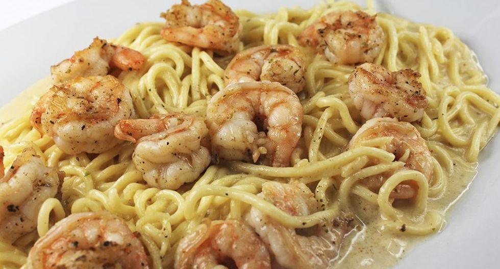Spaghetti bechamel con langostinos.