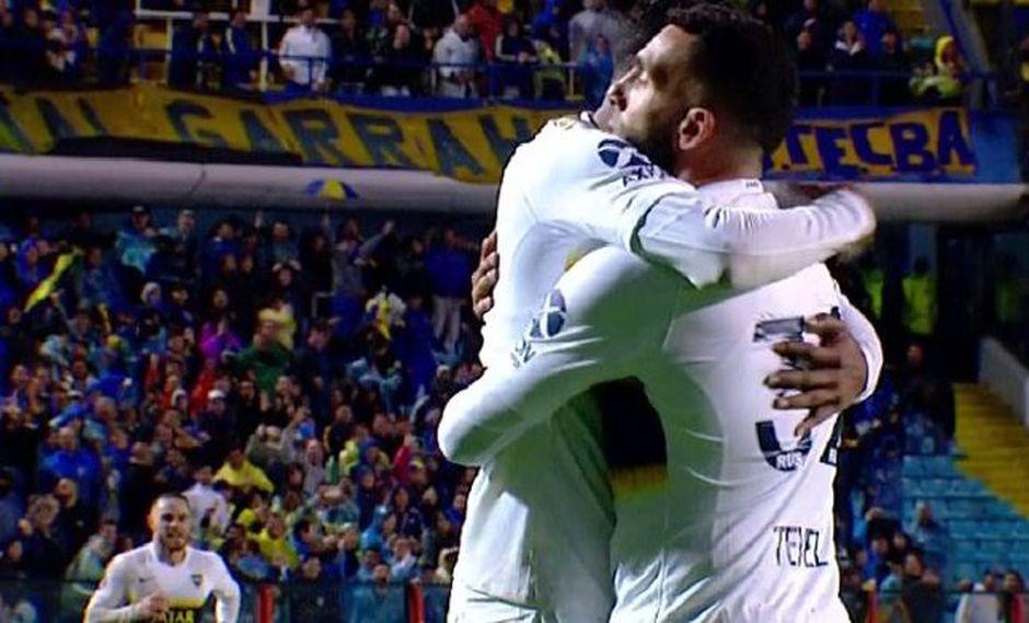 Boca Juniors vs. Colón: Carlos Tevez y el golazo para el 3-0 con preciso remate desde fuera del área | VIDEO. (Foto: Captura de pantalla)