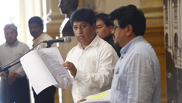 """Eguren dijo que disidencias en Gana Perú lo asemejan a """"combi"""""""