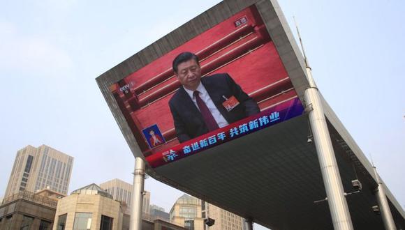 El presidente de China, Xi Jinping, ha estado reforzando el control sobre la sociedad desde que asumió el cargo hace 10 años. (EPA).