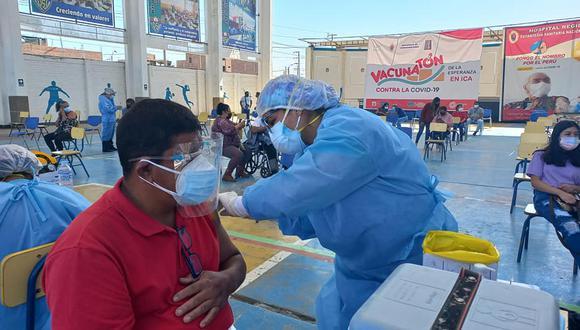 Así se desarrolla la jornada de vacunatón en la ciudad de Ica. (Diresa Ica)