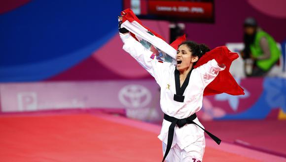 La para atleta Leonor Espinoza se impuso a la mexicana Claudia Romero en la final femenina de la categoría K44 menos 49 kilogramos. (Foto: Claudio Cruz / Lima 2019)