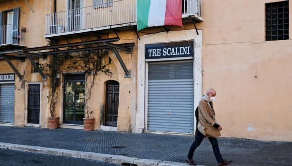 Italia está estudiando las reglas que se aplicarán para el periodo navideño, y que se incluirán en un nuevo decreto que entrará en vigor el 4 de diciembre, un día después de que expire el actual. (Foto: Andreas SOLARO / AFP).