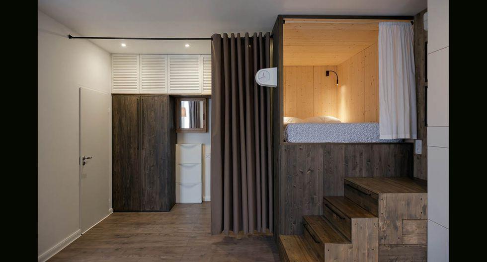 Una cortina oscura separa ambientes como el dormitorio, cocina y la zona de la entrada.(Foto: Alireza Nemati / behance.net)