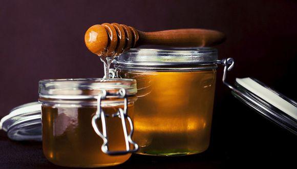 La miel nos aporta micronutrientes como vitaminas y minerales, destacando el calcio, hierro, magnesio, potasio, fósforo, ácido fólico, vitamina C y vitaminas del grupo B (Foto: Pixabay)