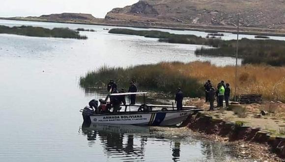 Puno: buzos bolivianos buscan a náufragos peruanos en lago menor del Titicaca