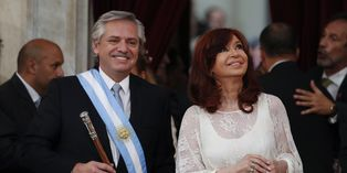 El peronista Alberto Fernández juró el martes como presidente de Argentina ante la Asamblea Legislativa para el periodo 2019-2023. Foto: AP