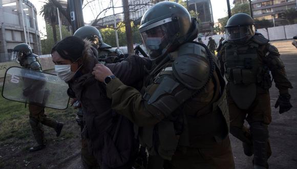 Imagen referencial. Las protestas por los abusos policiales se han vuelto recurrentes en Chile. (EFE/Alberto Valdés).