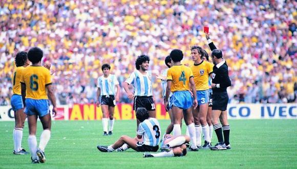 Diego Armando Maradona fue expulsado en el Argentina vs. Brasil del mundial España 82.