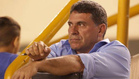Universitario: hoy se decide la continuidad de Luis Suárez