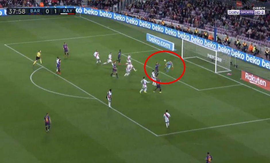 Barcelona vs. Rayo Vallecano: Piqué marcó el 1-1 luego de sensacional centro de Messi. (Foto: captura)