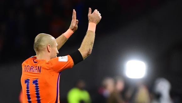 Arjen Robbem le dijo adiós a la selección de su país en octubre de 2017, tras no lograr clasificar a Rusia 2018. Jugó 96 partidos con la 'Oranje' en los que marcó 36 goles. (Foto: AFP)