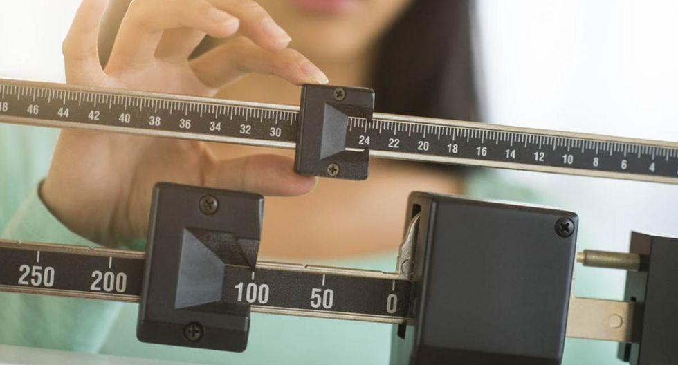Controla tu peso. Un estudio de la Sociedad Americana de Cáncer describe que las mujeres que han ganado entre 9 y 13 kilos desde los 18 años son 40% más propensas a desarrollar cáncer de mama. (Foto: Shutterstock)