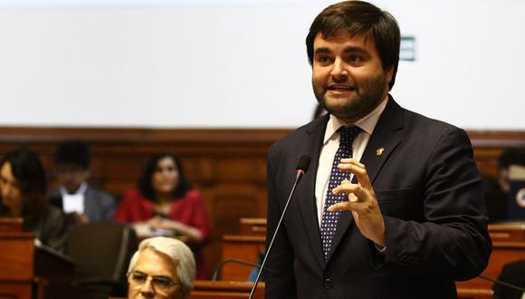 El congresista Alberto de Belaunde, de la Bancada Liberal, destacó la necesidad de rescatar el proyecto de bicameralidad. (Foto: Congreso de la República)