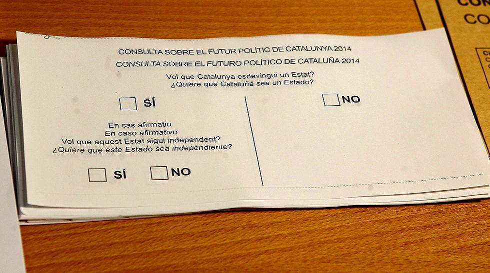 Miles protestan en Cataluña por la suspensión del referéndum - 6