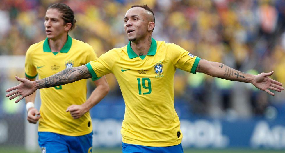 Perú vs. Brasil: Everton y el descomunal remate para el 3-0 del 'Scratch' por Copa América. (Foto: AFP)