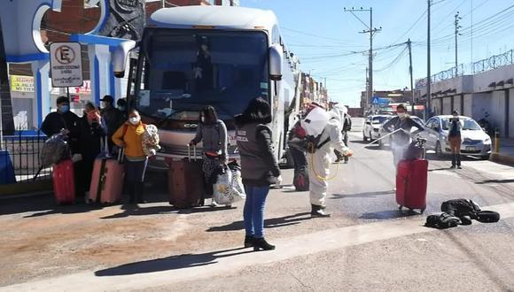 Antes de regresar a su país, los ciudadanos bolivianos pasaron estrictos controles de seguridad (Foto: PNP)