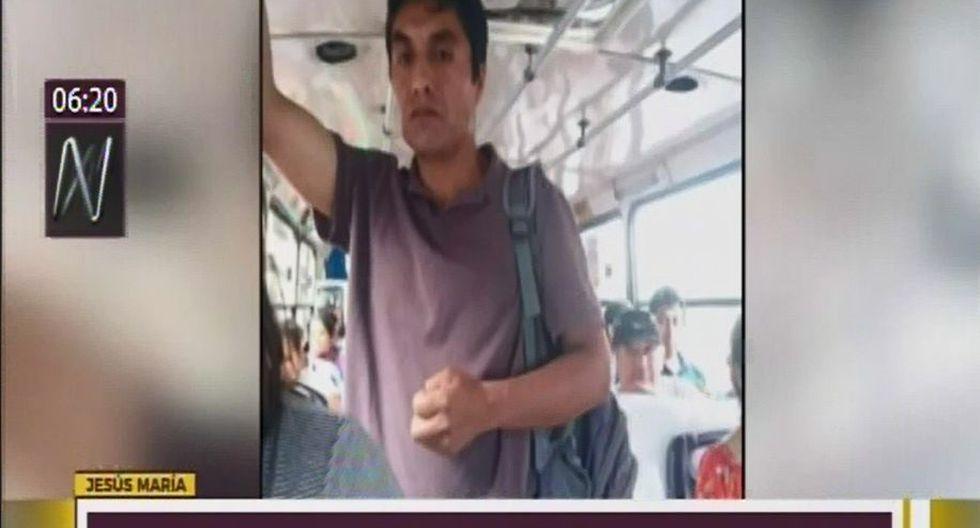 Agraviada tomó una fotografía al sujeto acusado de grabar con un celular sus partes íntimas dentro de un bus de transporte público en Jesús María. (Captura: Canal N)