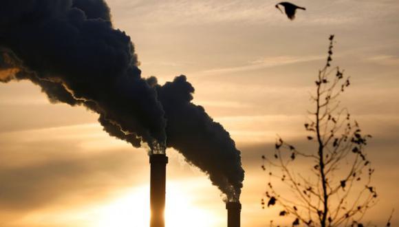 Para evitar un calentamiento superior a 1,5 °C, es necesario descarbonizar el sistema energético mundial de aquí a mediados de siglo