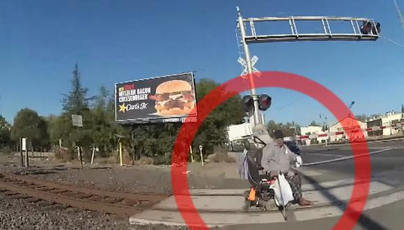 Las imágenes fueron reveladas por el Departamento de Policía de Lodi (California, Estados Unidos), y en ellas se aprecia la acción de la agente Erika Urrea. (Captura de video/YouTube).