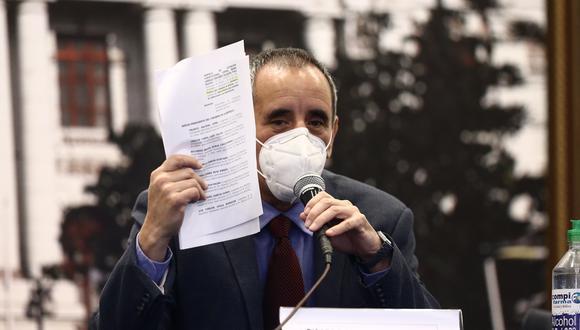 """""""Posiblemente la decisión que hemos tomado sea una medicina peor que la enfermedad"""", comentó Ricardo Burga, congresista de Acción Popular sobre la ley en torno a la ONP. (Foto: GEC)"""
