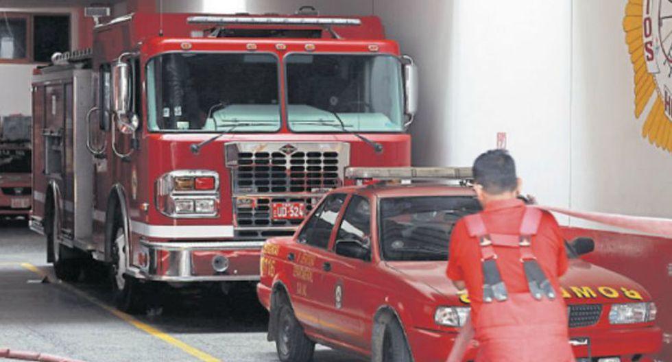 Al menos 31 unidades de los bomberos no se pudieron desplazar en Lima por falta de combustible hasta ayer. (Hugo Pérez / El Comercio)