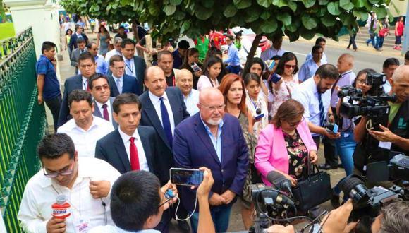 """La bancada de Peruanos por el Kambio (PpK) cuestionó, que el Poder Judicial haya dictado prisión preventiva contra Kuczynski pese a que """"no existen elementos que justifiquen la variación de su situación"""". (Foto: Twitter)"""