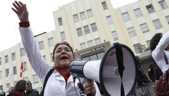 Obstetras marcharán mañana en el centro de Lima