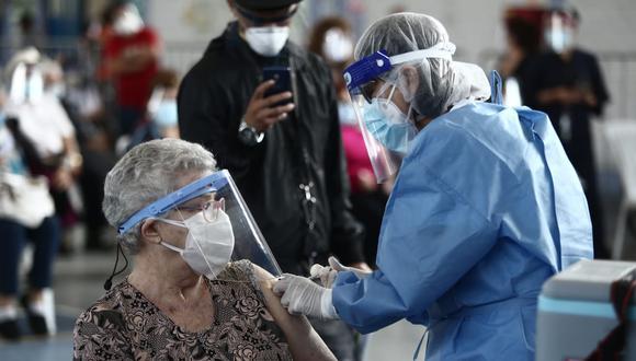 Vacunación a nivel nacional contra el COVID-19 sigue avanzando. (Foto: GEC)
