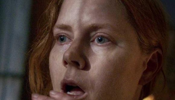 """Amy Adams interpreta a la Dra. Anna Fox en """"La mujer en la ventana"""" (Foto: Netflix)"""